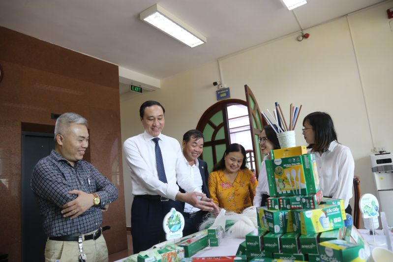 """An Phat Holdings attended the seminar """"Manufacture and consumption of compostable materials – the great alternative to disposable plastic products in Vietnam"""""""