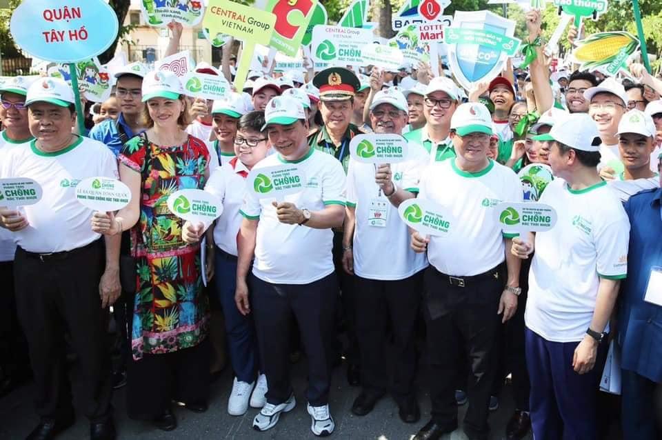 Thủ tướng Chính phủ Nguyễn Xuân Phúc trao chứng nhận thành viên Liên minh chống rác thải nhựa cho An Phát