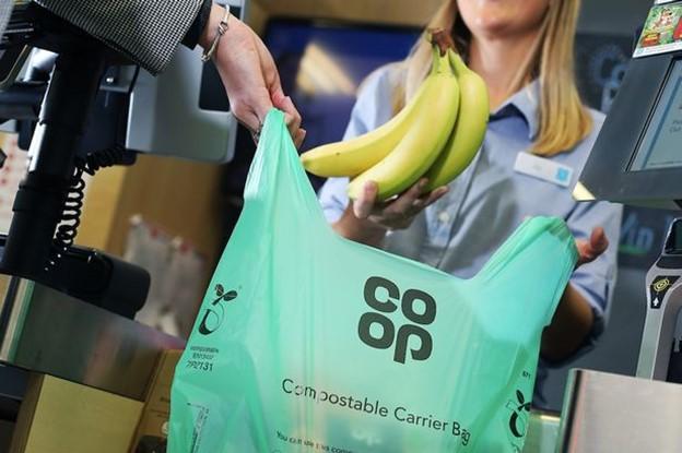 """Loại túi có thể phân hủy mới đang được dùng tại các điểm bán của Co-op để thay thế """"túi tái sử dụng"""""""