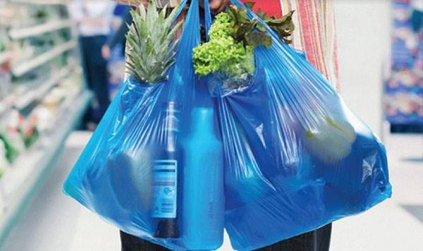 Túi nilon khi mua sắm
