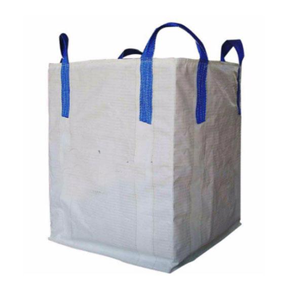 Nhựa PP được kéo sợi và dệt thành túi Jumbo dùng để đựng hàng hóa có trọng lượng lớn